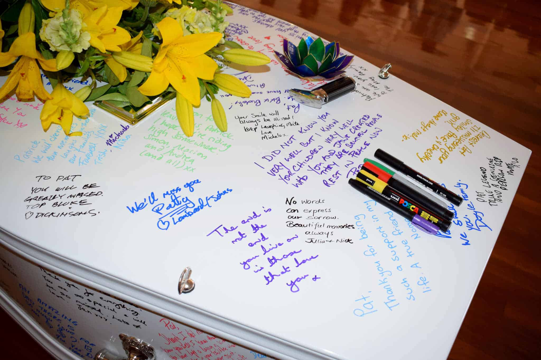 Writing on coffin - Stephen Lee Sydney Funeral Celebrant