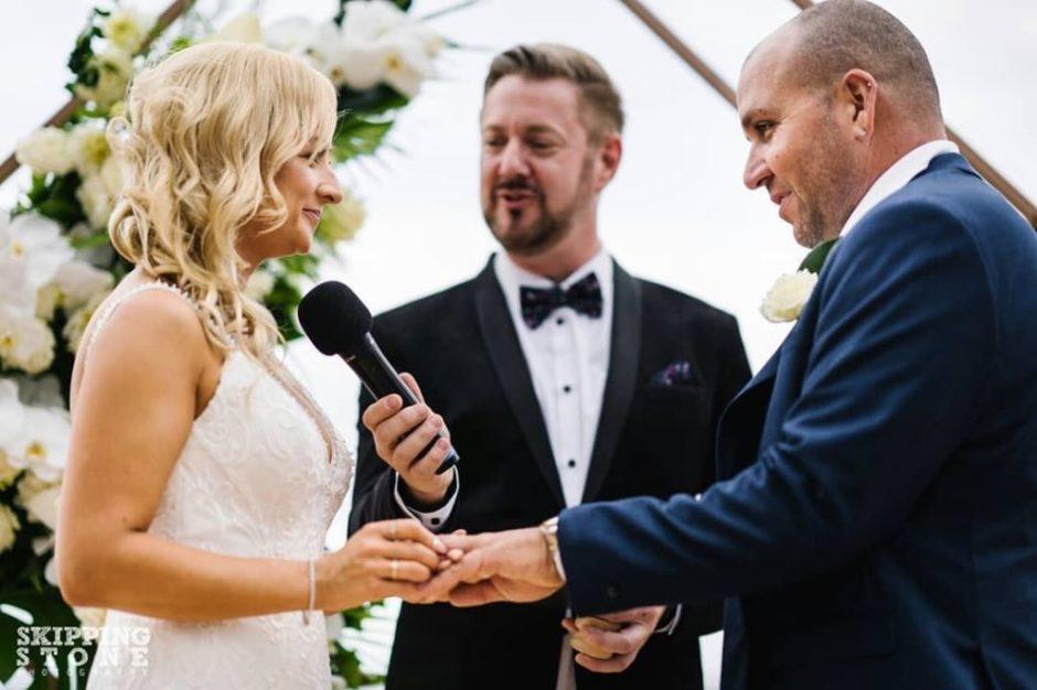 Whale Beach Wedding - Stephen Lee Marriage Celebrant Sydney